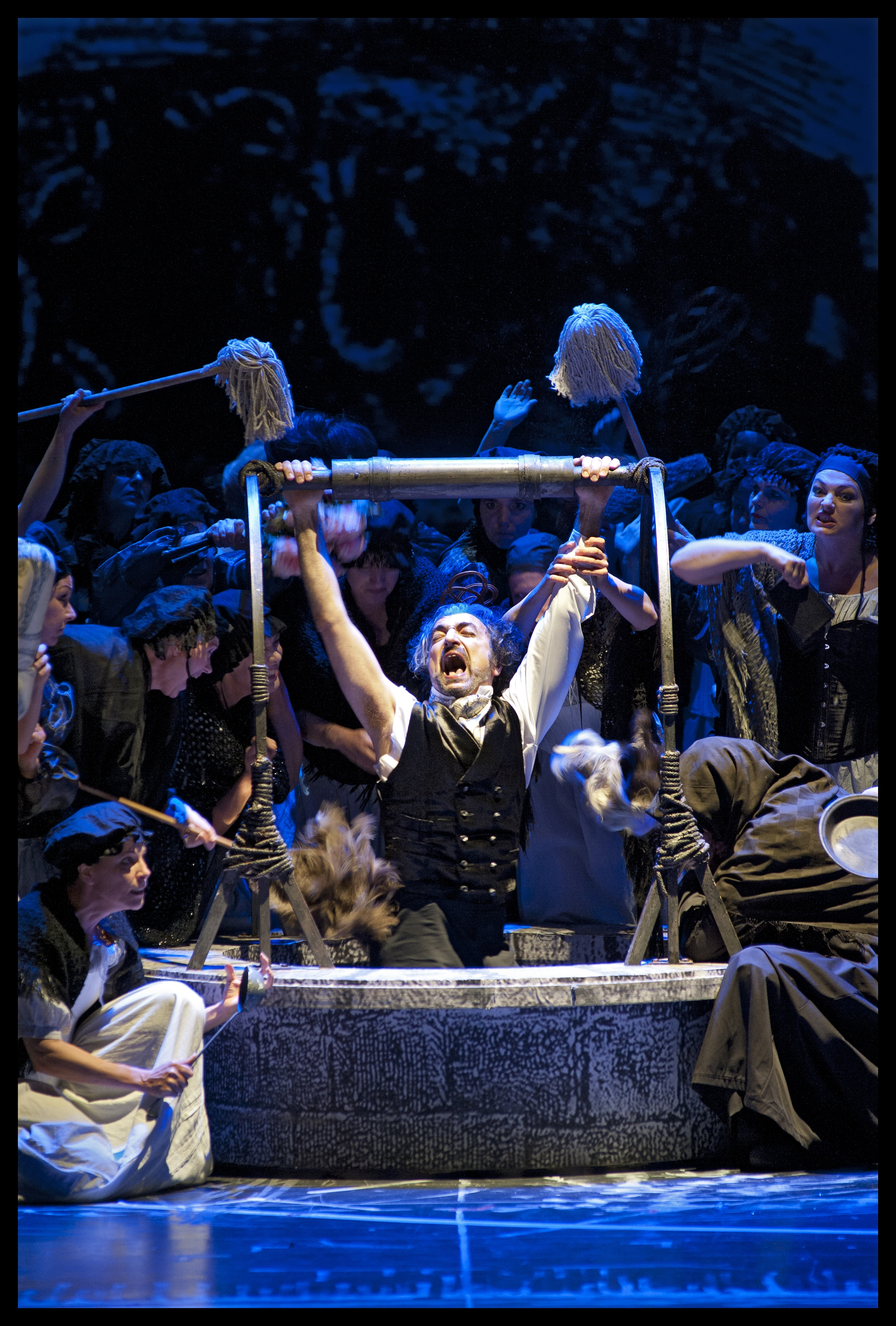 Laurent Naouri (Fieramosca), Koor van De Nationale Opera