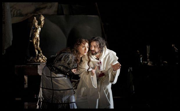 Mariangela Sicilia (Teresa), John Osborn (Benvenuto Cellini)