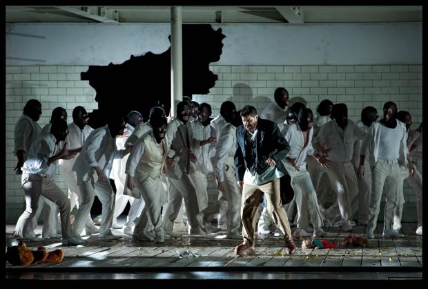 Luca Salsi (Rigoletto), Koor van De Nationale Opera