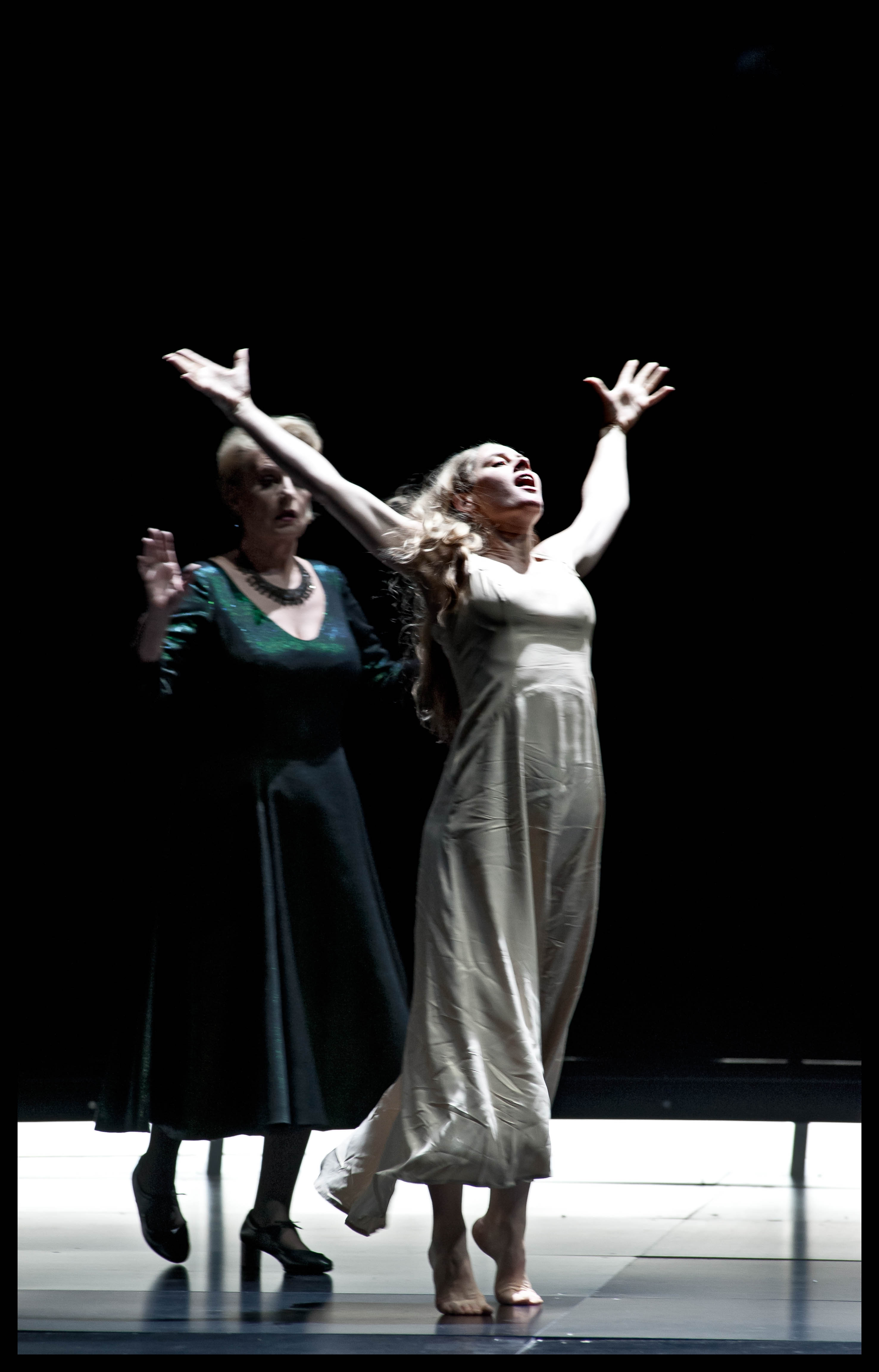Malin Byström (Salome) & Doris Soffel (herodias)