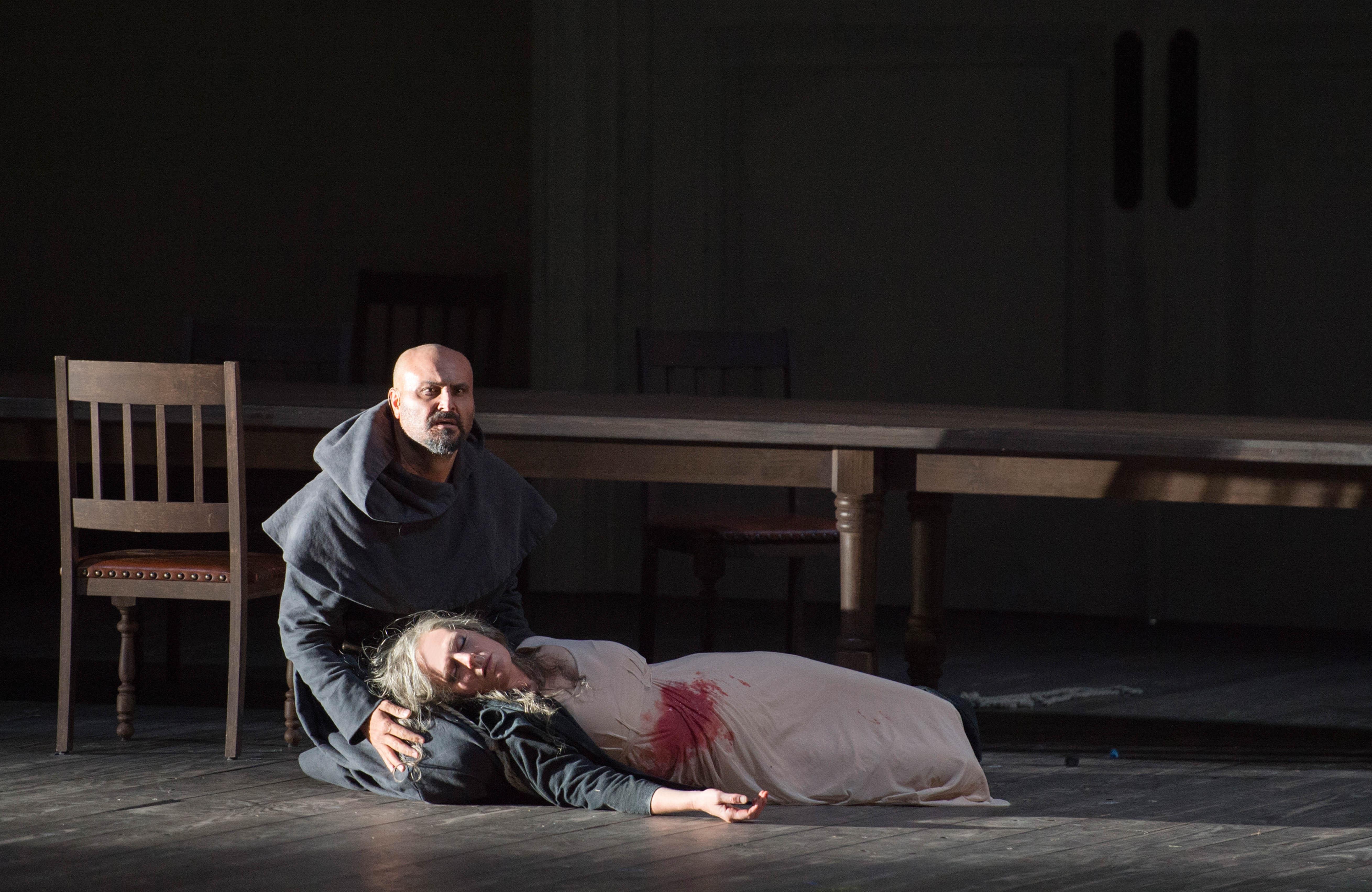 lEonora (Eva-Maria Westbroek) & aLVARO (Roberto Aronica)