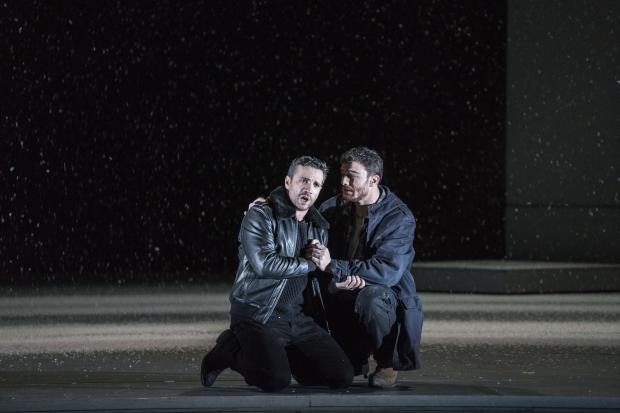 Rodolfo (Sergey Romanovsky), Marcello (Mattia Olivieri)