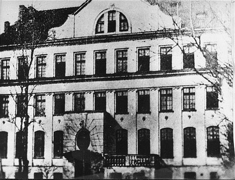 Korczak Krochmalna_Street_orphanage
