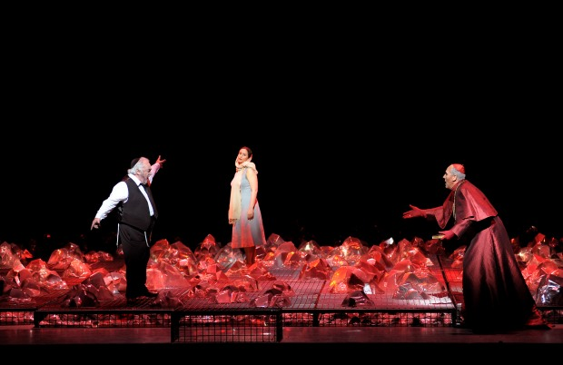 Carlo Rizzi (conductor), Pierre Audi (director), George Tsypin (sets), Dagmar Niefind (costumes), Jean Kalman (lighting design), Amir Hosseinpour (choreography), Willem Bruls (dramaturge)